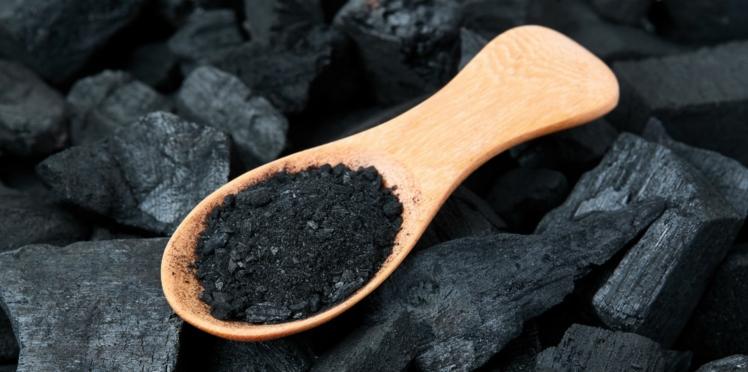 Le charbon actif pour nettoyer l'organisme