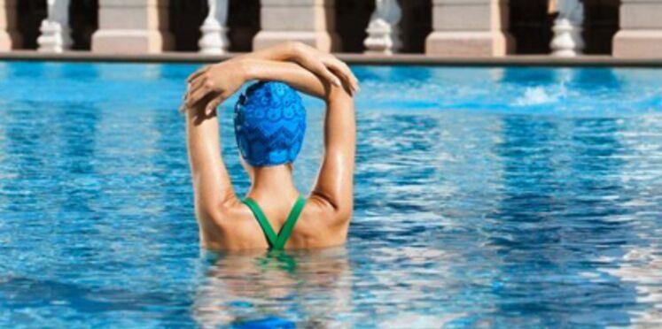 Muscler son dos à la piscine