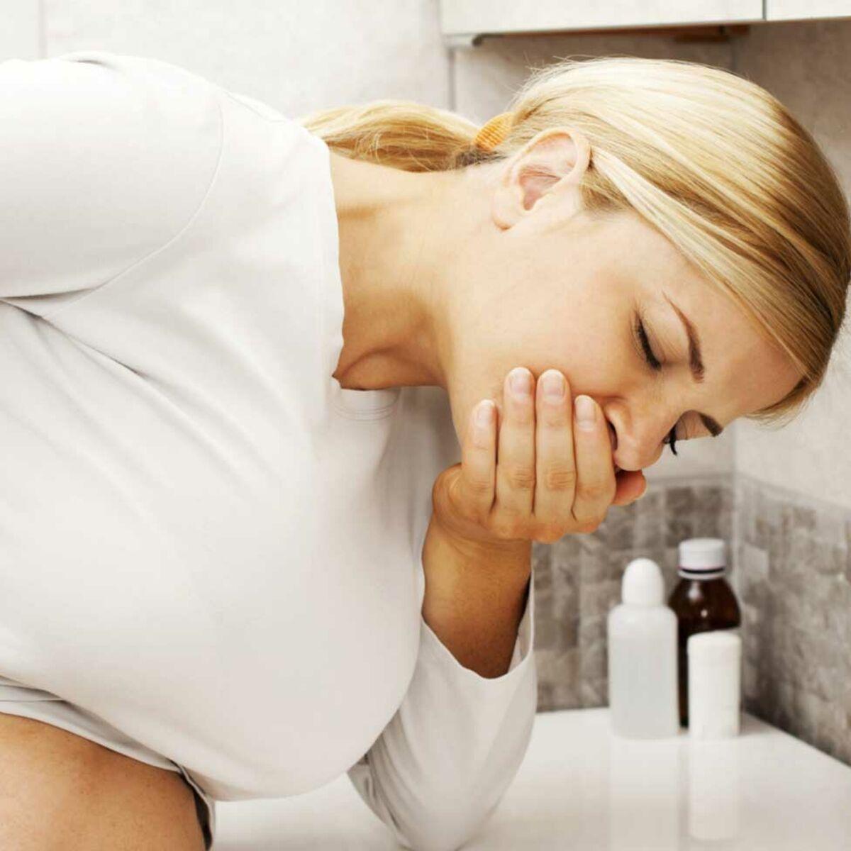 Que faire si j'ai la nausée ? 5 étapes pour se soulager : Femme ...