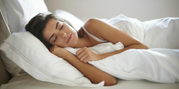 Problème de sommeil : les conseils des pros pour bien choisir son oreiller