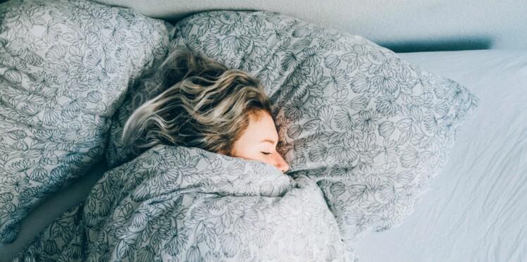 Et si j'essayais l'hypnose pour mieux dormir ?