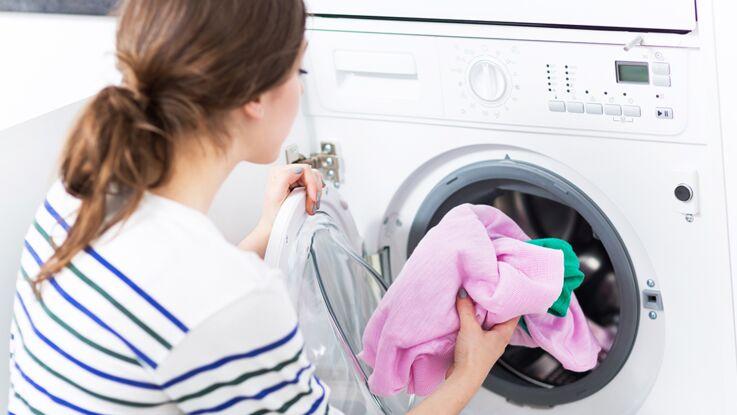 Soutiens-gorge, jeans, leggings... Au bout de combien de temps faut-il les laver ?