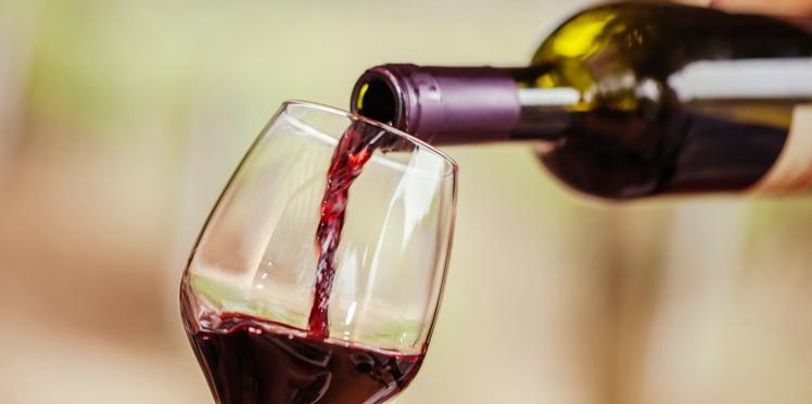 Le vin est-il moins dangereux pour la santé que les autres alcools ?