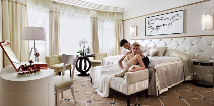 Visitez les plus belles suites des palaces cannois