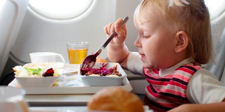 Air France initie les enfants à la lecture des journaux