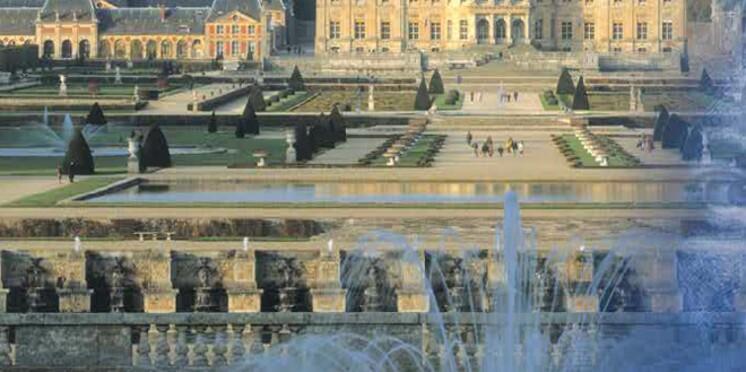 Les châteaux et jardins de France dans un guide inédit