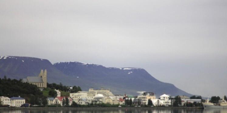 Islande: la ville rêvée des elfes