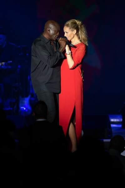 Cela n'empêche pas Adriana Karembeu de partager une danse avec le chanteur Seal