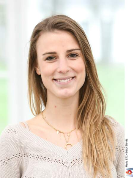 Camille, 27 ans, consultante en finance, habitant à Paris.