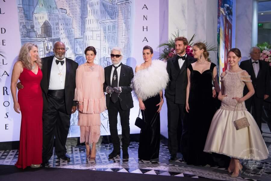 Caroline de Hanovre, Karl Lagerfeld, Charlotte, Pierre, Béatrice Casiraghi et la princesse Alexandra.