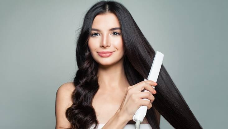 Lisseur : les meilleurs accessoires pour des cheveux au top