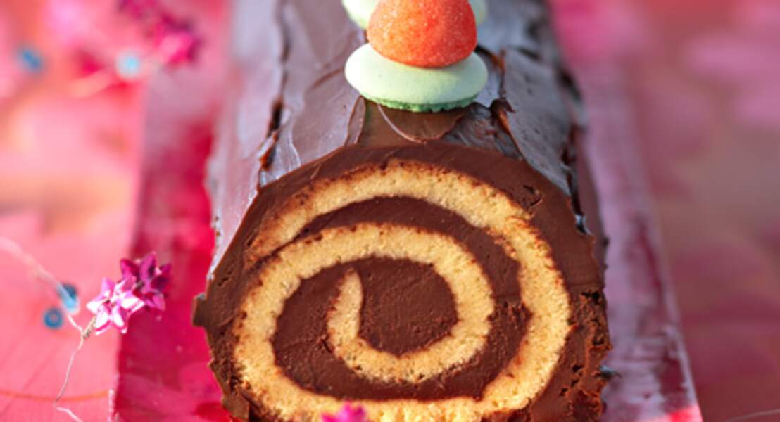 Bûche au chocolat-menthe et bonbons