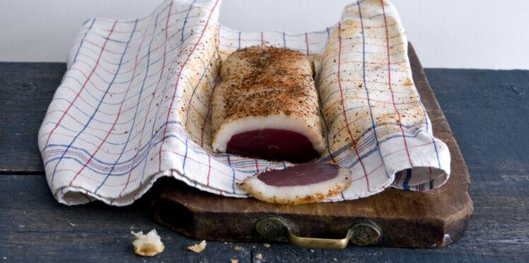 Magret de canard séché au poivre et au piment d'Espelette