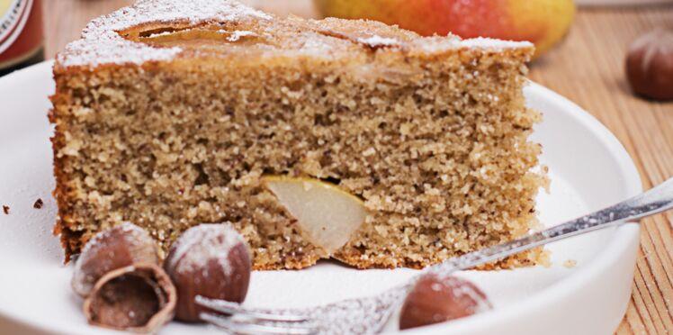 Gâteau moelleux aux noix et à la poire