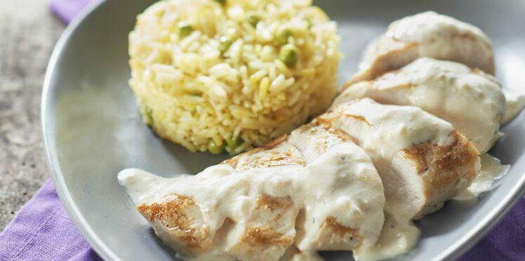 Riz à poêler basmati au safran et petits pois - Poulet sauce fromage blanc