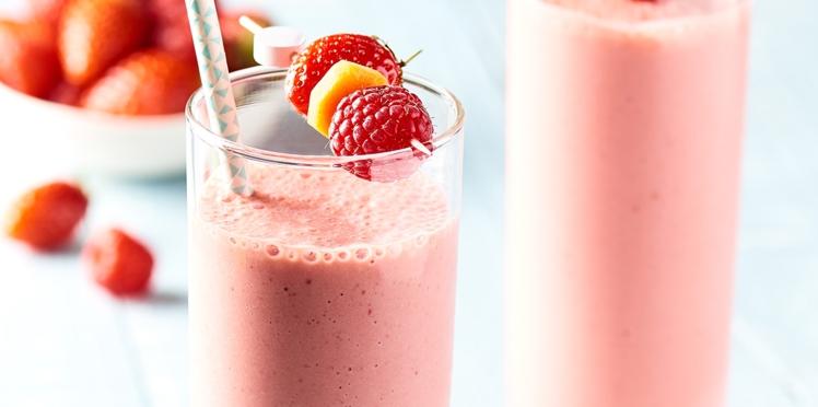 Milkshake fraise framboise et barre de céréale