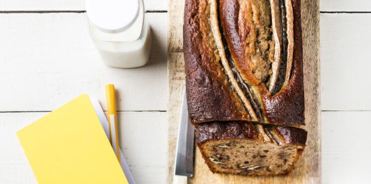 Cake moelleux à la banane et aux noix de pécan