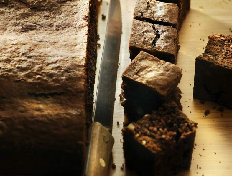Brownie au chocolat, noix de pécan et noisettes