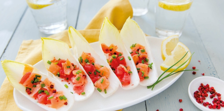 Feuilles d'endive au tartare de saumon et pamplemousse