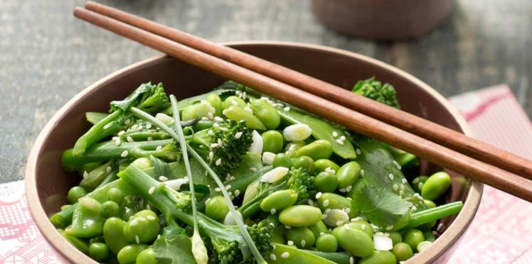 Salade de légumes verts, vinaigrette soja sésame