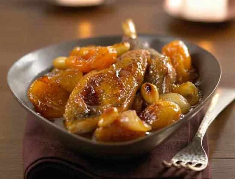 La cocotte de chapon aux abricots secs et au miel