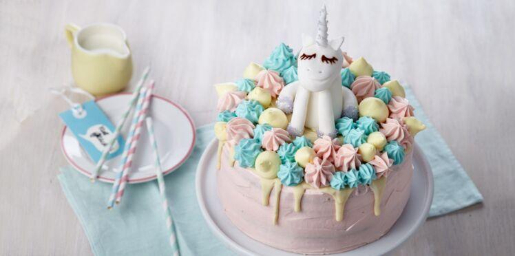 Gâteau à étages licorne