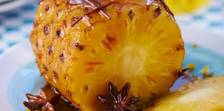 Ananas rôti au miel épicé