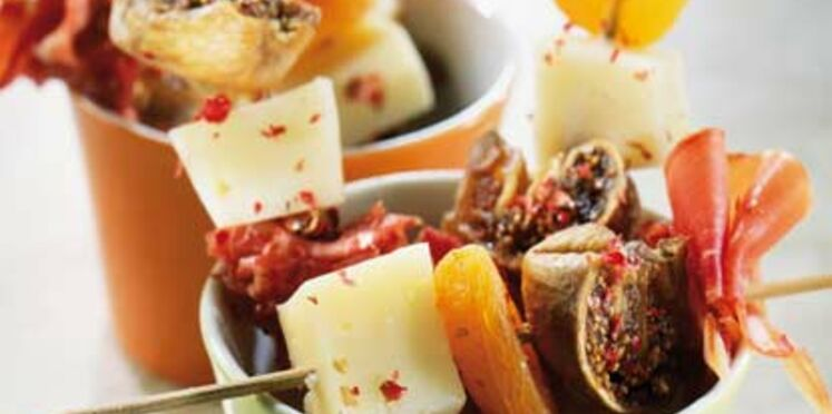Brochettes fruits secs et jambon