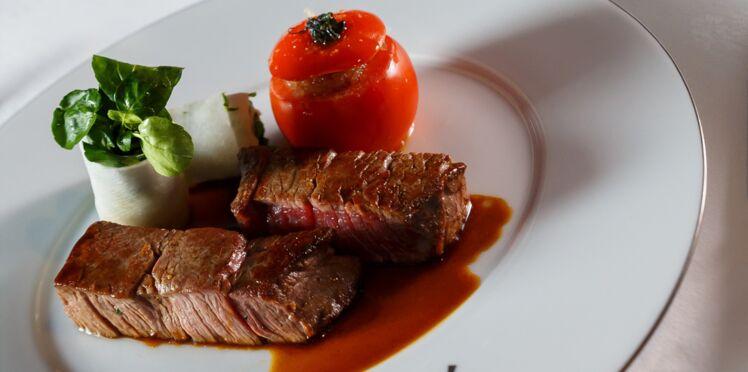 Filet de bœuf poêlé, cannelloni de cresson et tomate farcie du Moulin Rouge® par David Le Quellec