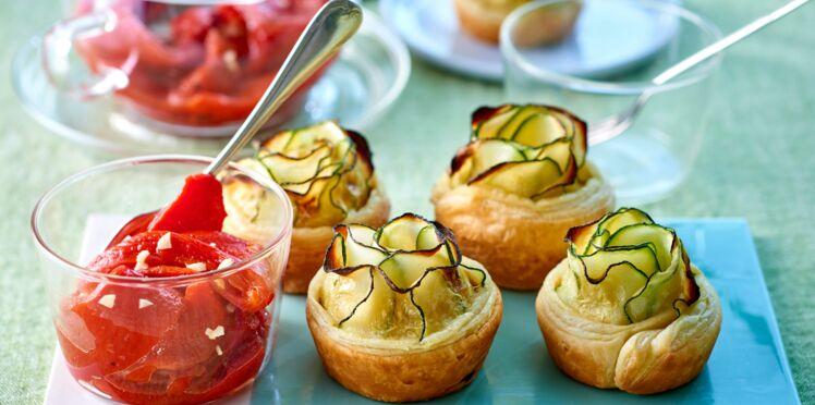 Mini-tartes fleurs aux courgettes, salade de poivrons marinés