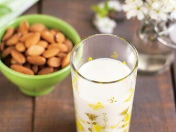 chocolat chaud au lait de noisette fait maison d couvrez les recettes de cuisine de femme. Black Bedroom Furniture Sets. Home Design Ideas