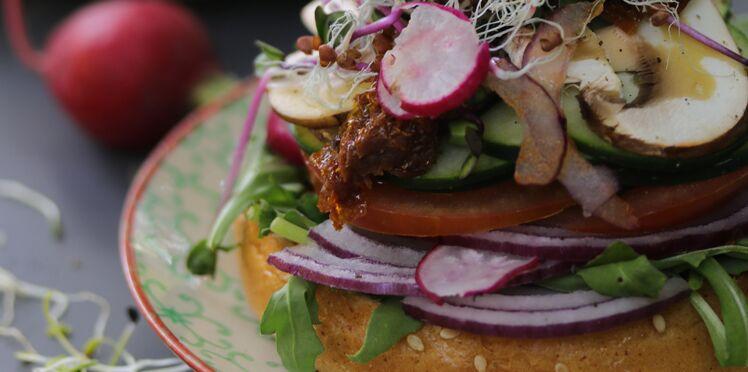 Burger aux légumes et au fromage vegan