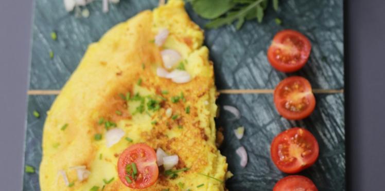 Omelette sans oeufs au tofu soyeux et à la farine de pois chiche
