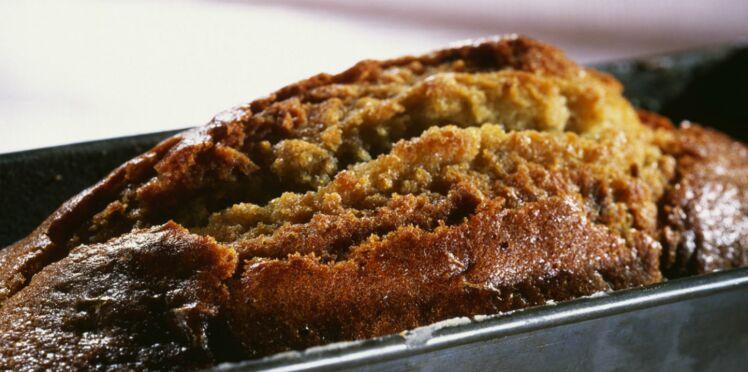 Cake aux pruneaux et aux lardons