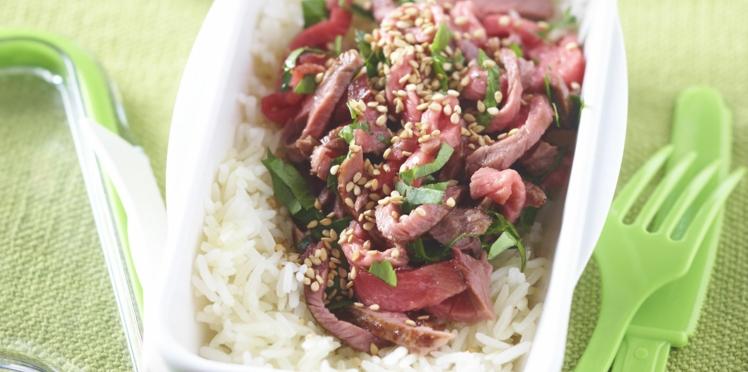Bento de salade de bœuf