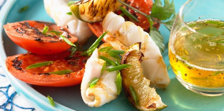 Calamars sautés à la plancha, au piment d'Espelette, tomates et poivrons