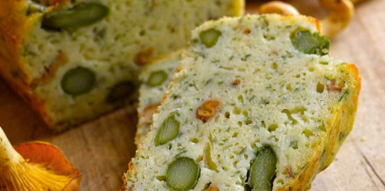 Cake de Sophie Dudemaine aux asperges et aux girolles