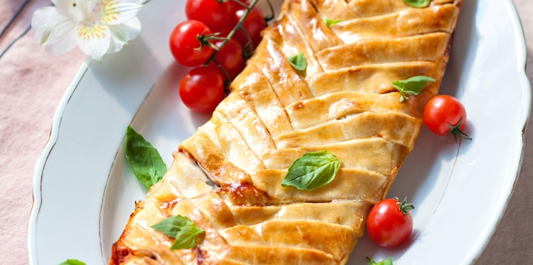 Pizza tressée tomate-mozzarella