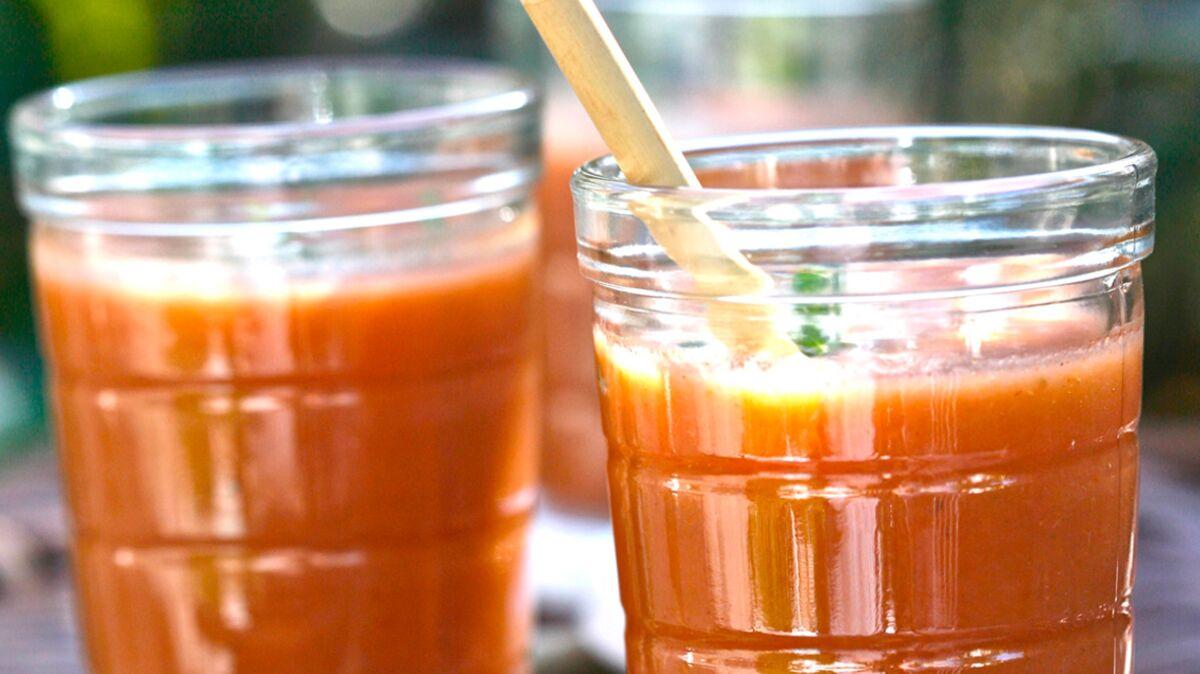 Gaspacho tomate-fruits d'été à la stevia