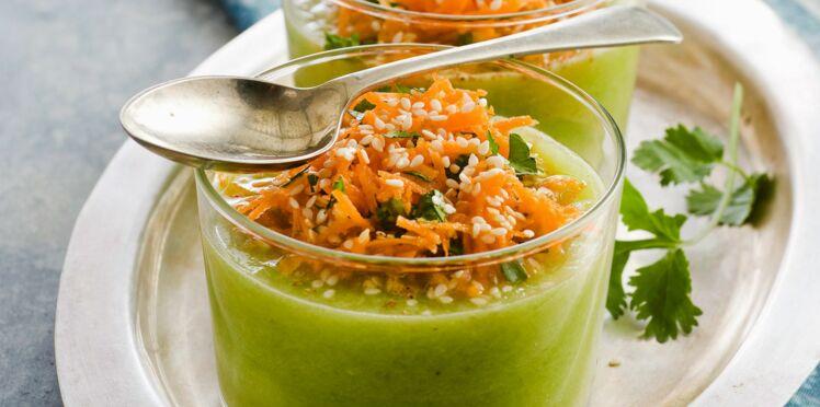 Soupe de concombre aux carottes et sésame