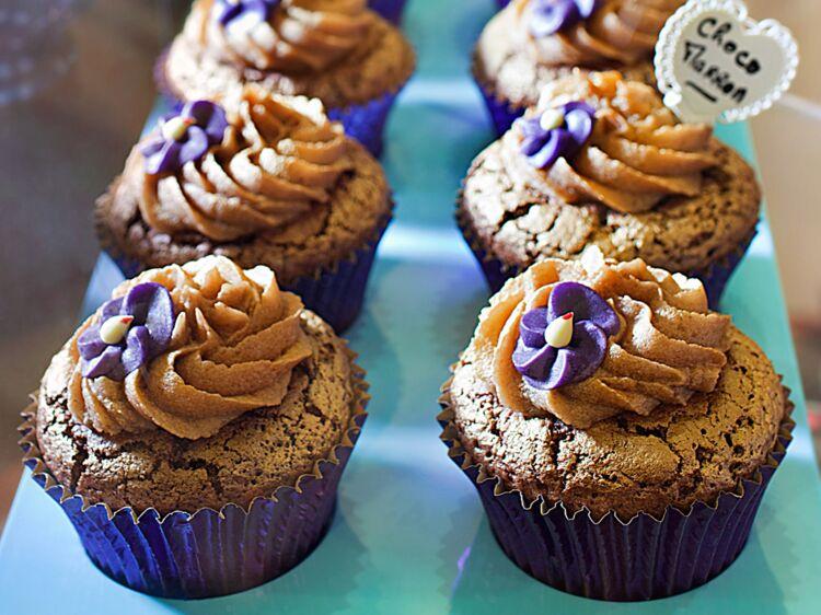 Cupcake au chocolat et mousse de marrons (Choco Marron) : découvrez les recettes de cuisine de Femme Actuelle Le MAG