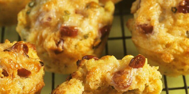 Mini-muffins à l'oignon rouge et au comté