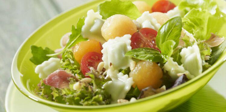 Salade de ravioles au jambon cru et melon