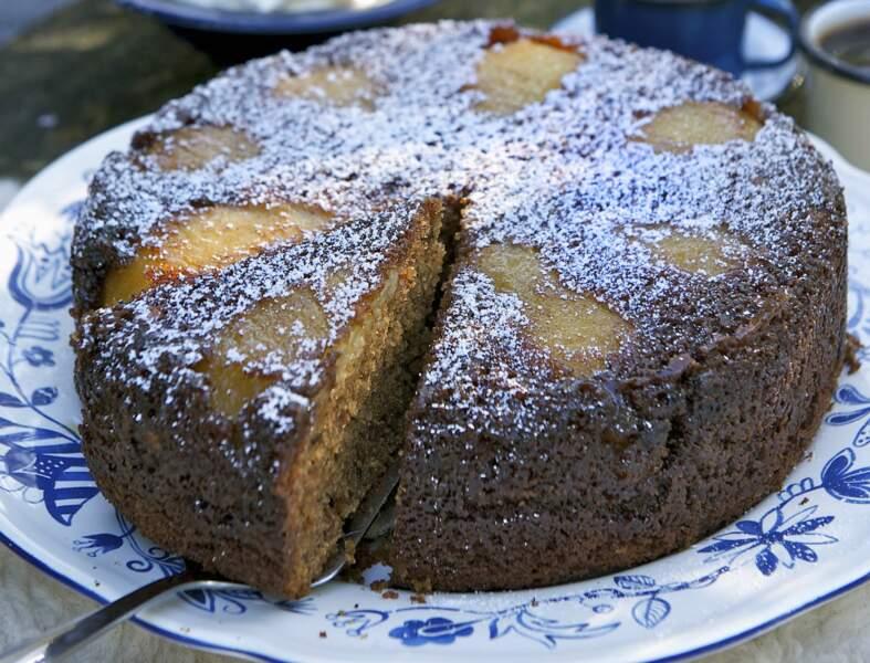 Gâteau au yaourt, poires et chocolat