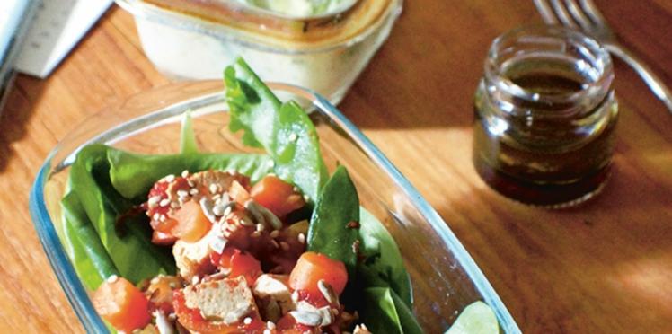 Salade de légumes croquants au tofu