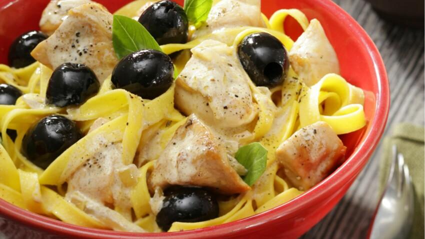 Fricassée de volaille castillane aux olives noires, tagliatelle fraîches