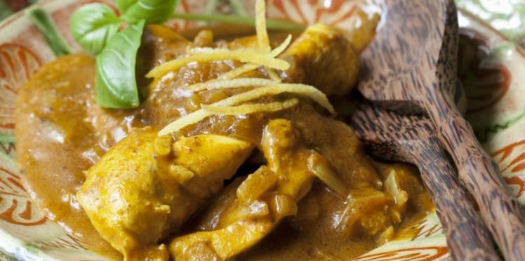 Poulet thaïlandais au curry rouge et curry vert au lait de coco