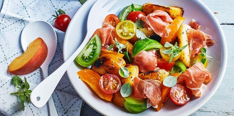 Salade de pêches rôties et jambon Serrano