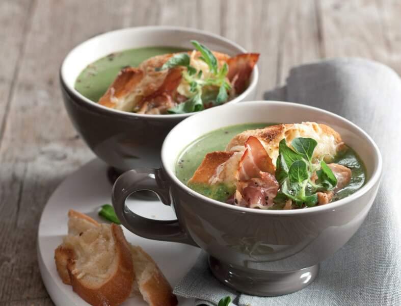 Soupe d'épinards au bacon et ses toasts