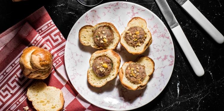Brioches parisiennes au pâté et dattes Medjoul